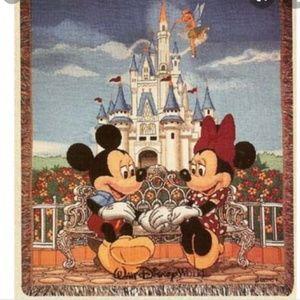 Walt Disney World Mickey & Minnie Tapestry Throw